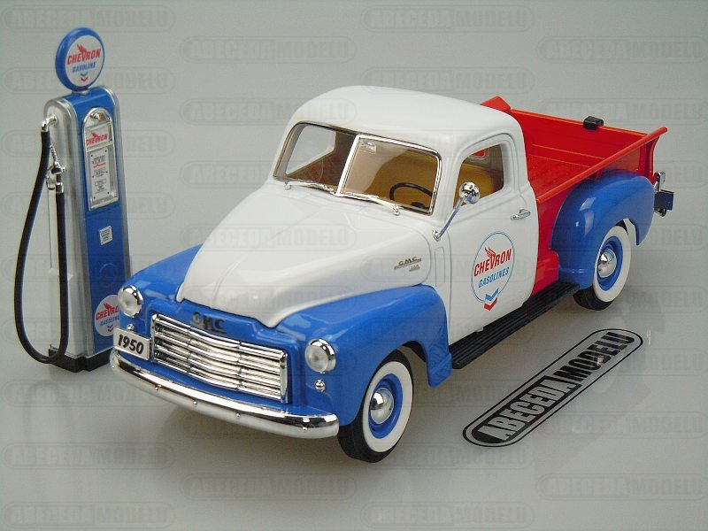 GMC 150 Pickup 1950 & Vintage Gas Pump