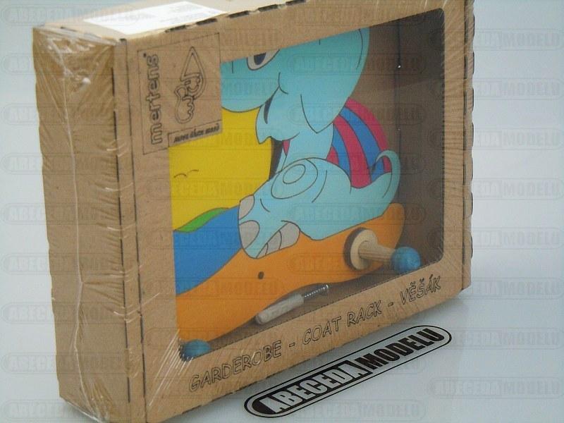 Dřevěný věšák slon do dětského pokoje