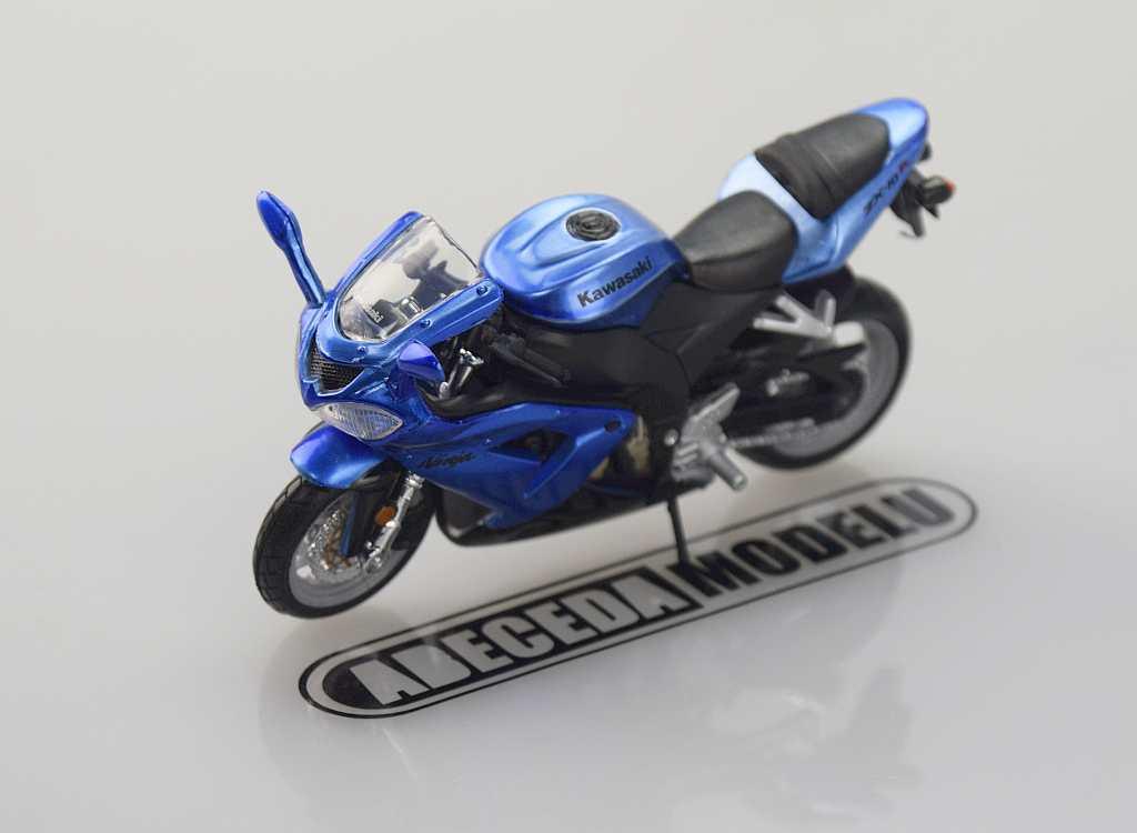 Bburago Kawasaki ZX-10R Ninja 1:18 modrá