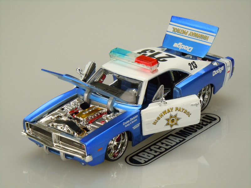 Dodge Charger R/T 1969  Highway Patrol