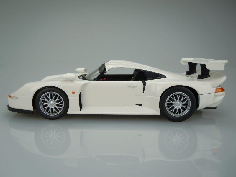 katalog v ech model porsche 911 gt1 auto moto modely skladem. Black Bedroom Furniture Sets. Home Design Ideas