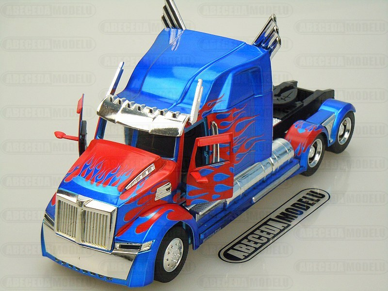 Western Star 5700 XE Phantom Optimus Prime Transformers