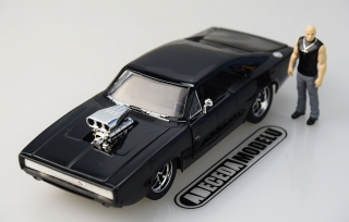 Dodge Charger R/T Dom's Fast & Furious + figurka