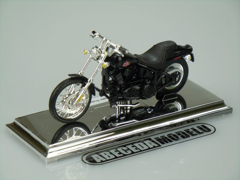 Maisto 1:18 Harley Davidson FXSTB Night Train 2002 (black) code Maisto 39360-09197, model motocyklu