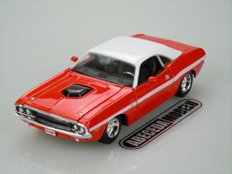 model automobilu Dodge Challenger R/T Coupe 1970 Maisto