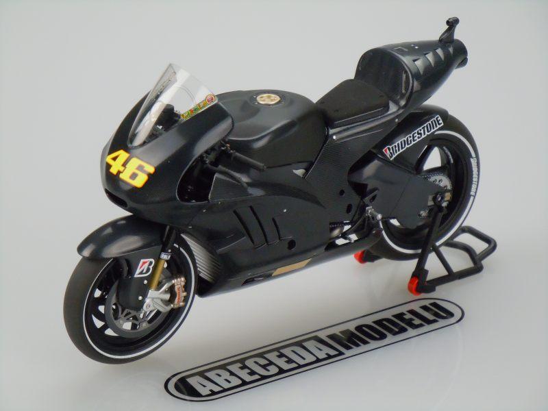 Minichamps 1:12 Ducati Desmosedici GP11 V. Rossi 46 Valencia Test 2010 code Minichamps 122110876, model motocyklu