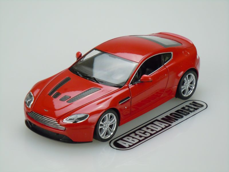 Welly 1:24 Aston Martin V12 Vantage 2010 (red) code Welly 24017, modely aut