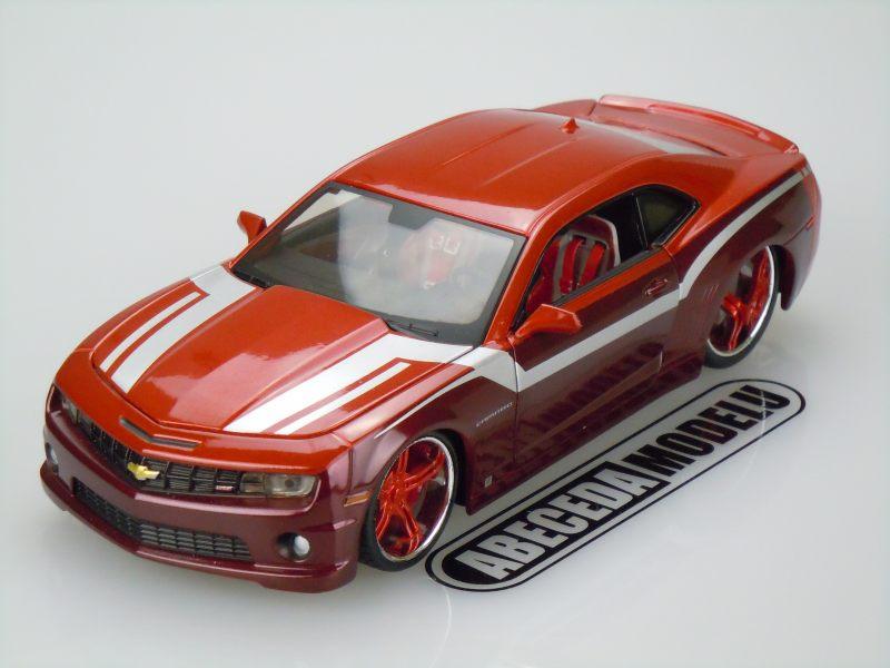 Maisto 1:24 Chevrolet Camaro SS RS 2010 Custom (red) code Maisto 31359, modely aut