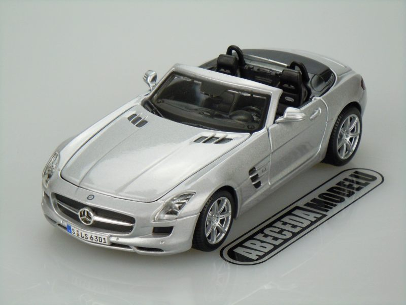 Maisto 1:24 Mercedes Benz SLS AMG Roadster (silver) code Maisto 31272, modely aut