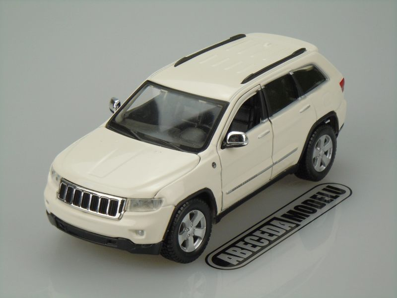 Maisto 1:24 Jeep Grand Cherokee Laredo (white) code Maisto 31205, modely aut