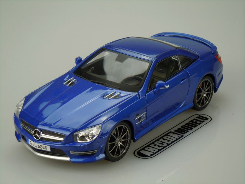 Maisto 1:18 Mercedes Benz SL63 AMG Hard Top (blue) code Maisto 36199, modely aut