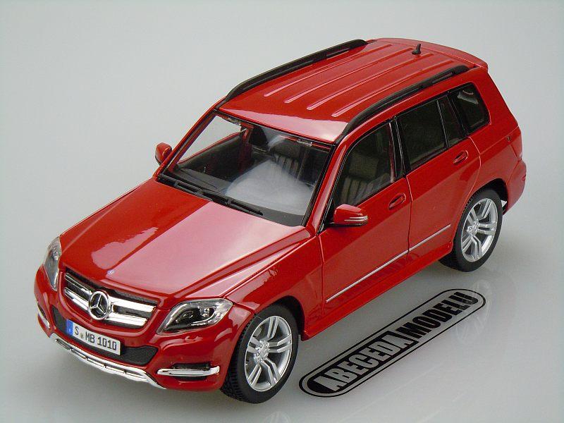 Maisto 1:18 Mercedes Benz GLK Class (red) code Maisto 36200, modely aut