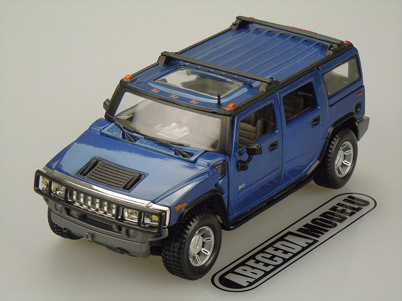Maisto 1:27 Hummer H2 SUV 2003 (blue) code Maisto 31231, modely aut