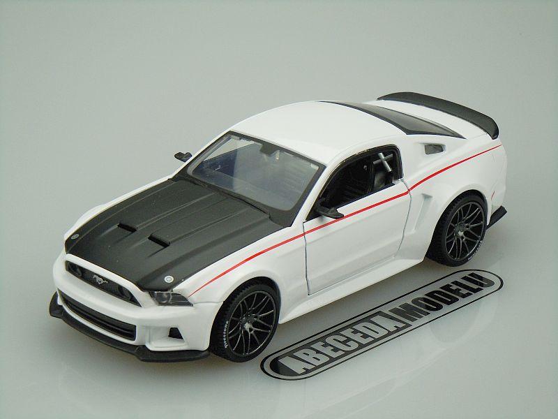 Maisto 1:24 Ford Mustang Street Racer 2014 (white) code Maisto 31506, modely aut