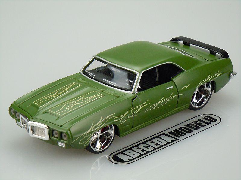 Maisto 1:24 Pontiac Firebird 1969 Custom code Maisto 31040, modely aut
