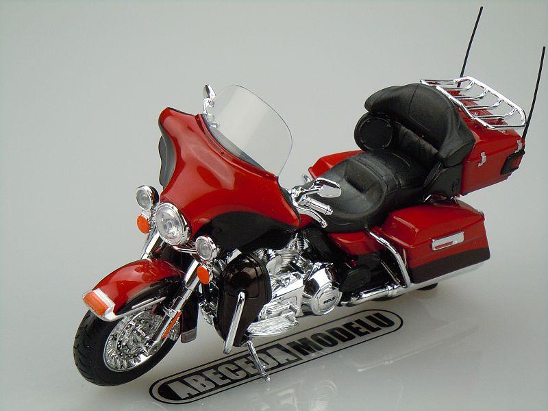 Maisto 1:12 Harley Davidson FLHTK Electra Glide Ultra Limited 2013 (red) code Maisto 32323, model motocyklu