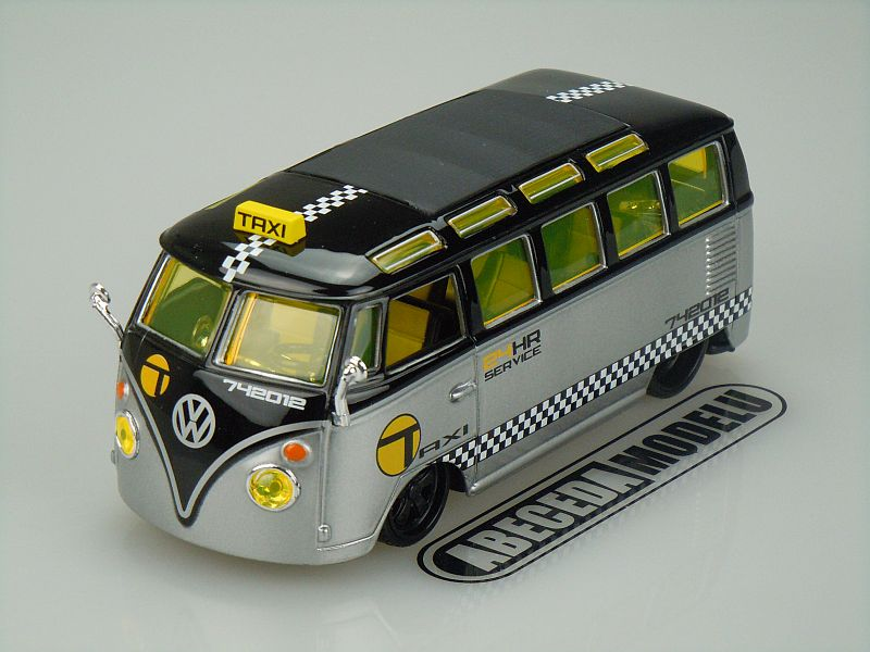 Maisto 1:25 Volkswagen Van Samba Custom Shop Taxi (black/silver) code Maisto 31364, modely aut