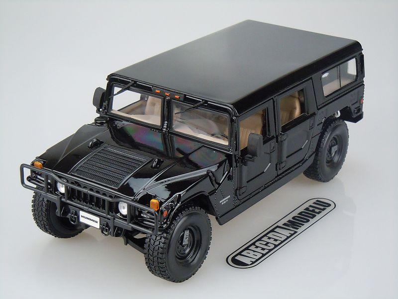 Maisto 1:18 Hummer 4-Door Wagon (black) code Maisto 36858, modely aut