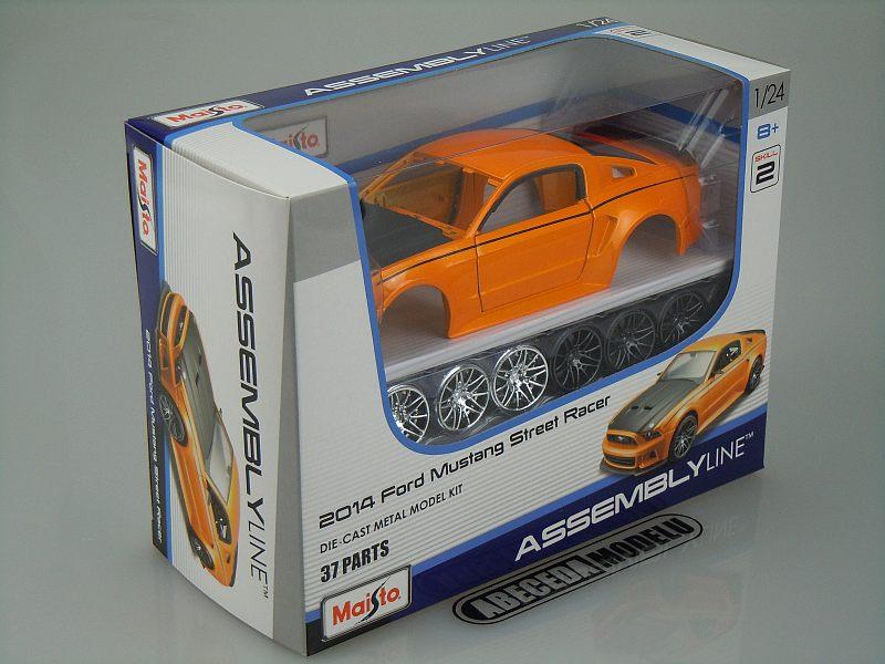 Maisto 1:24 Ford Mustang Street Racer 2014 Kit (orange) code Maisto 39127, modely aut