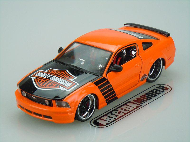 Maisto 1:24 Ford Mustang GT 2006 H-D (orange) code Maisto 32169, modely aut