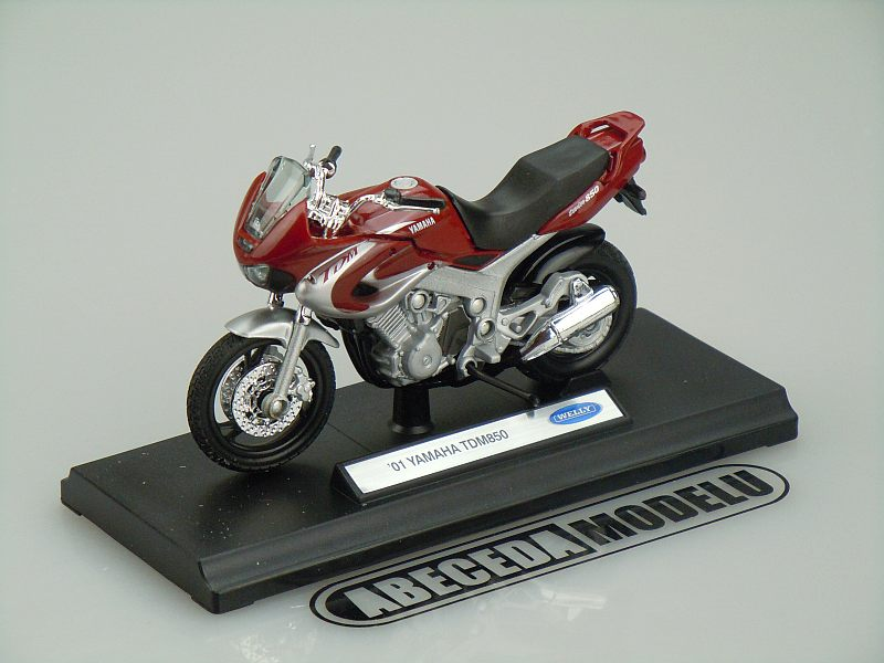Welly 1:18 Yamaha TDM 850 2001 (red) code Welly 12155, model motocyklu