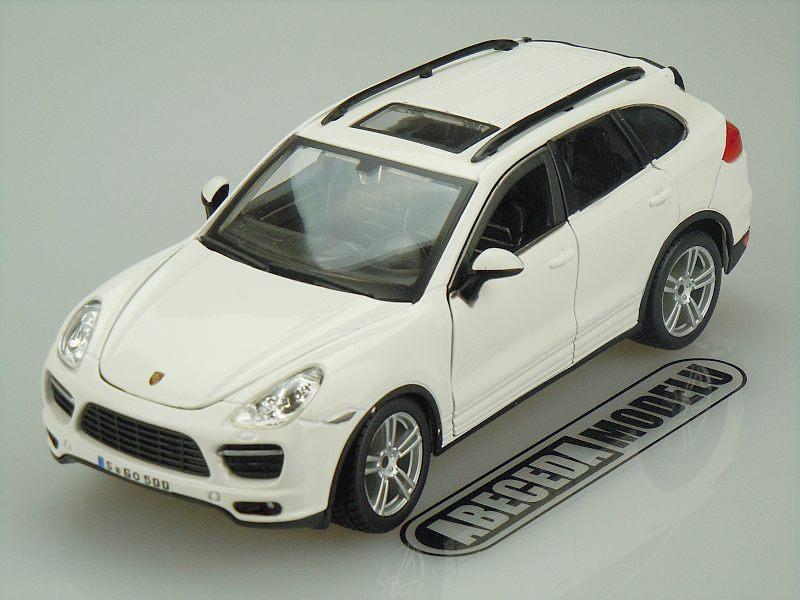 Bburago 1:24 Porsche Cayenne Turbo (white) code Bburago 21056, modely aut