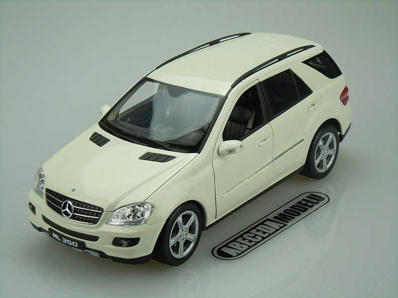 Welly 1:18 Mercedes Benz ML350 (white) code Welly 18006, modely aut