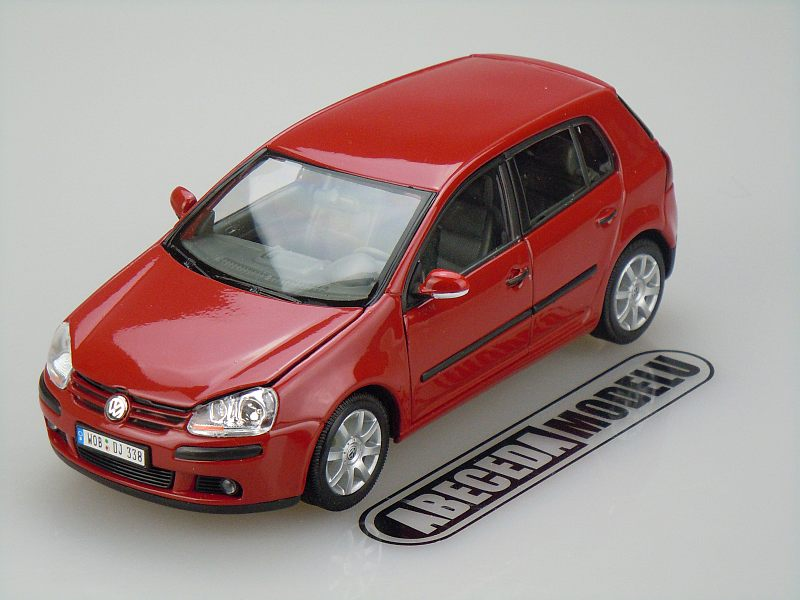 Welly 1:24 VW Volkswagen Golf V (red) code Welly 22458, modely aut