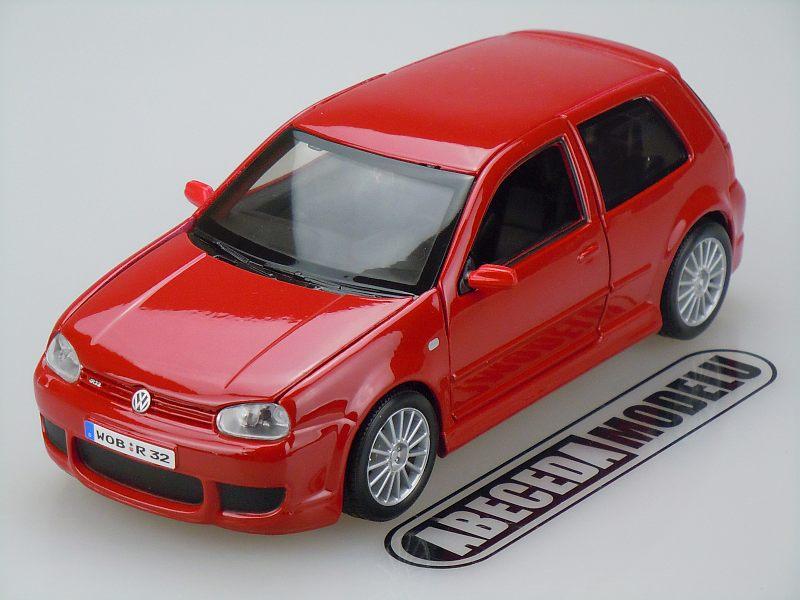 Maisto 1:24 Volkswagen Golf R32 (red) code Maisto 31290, modely aut