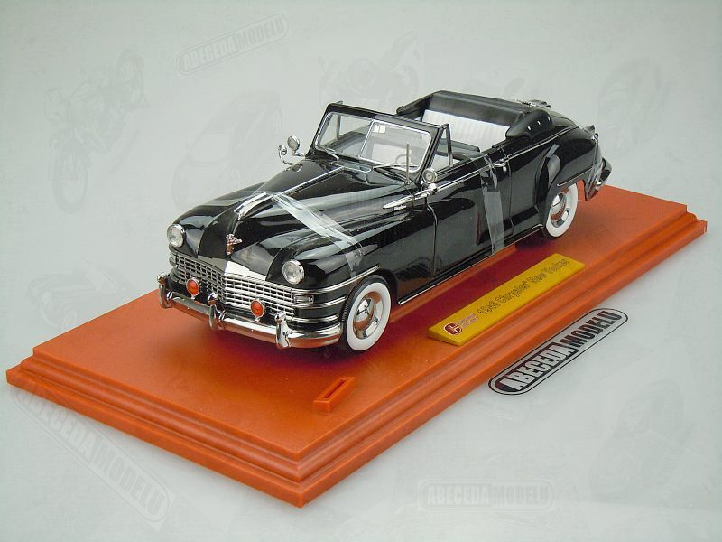 Signature Models 1:18 Chrysler New Yorker 1948 (black) code Signature 68629, modely aut