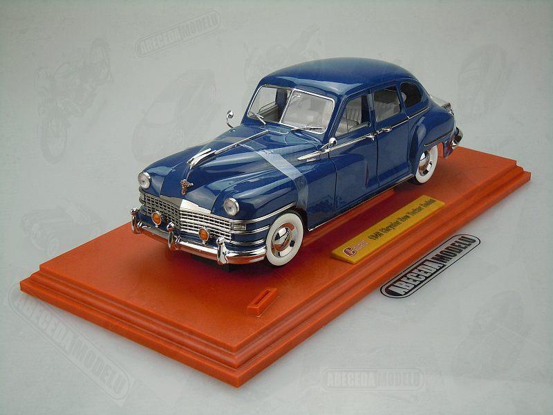 Signature Models 1:18 Chrysler New Yorker Sedan 1948 (blue) code 68631, modely aut