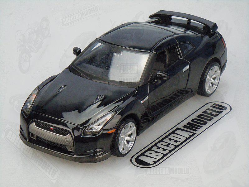 Maisto 1:24 Nissan GT-R 2009 (black) code Maisto 31294, modely aut