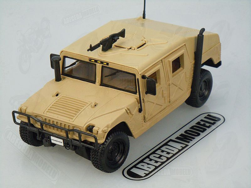 Maisto 1:27 Humvee (sand) code Maisto 31974, modely aut