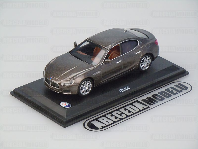 Whitebox 1:43 Maserati Ghibli (brown) code Whitebox WBS034, modely aut