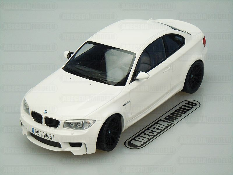 Minichamps 1:18 BMW 1er M Coupe 2011 (white) code Minichamps 110020022, modely aut