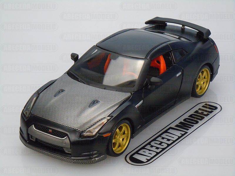Maisto 1:24 Nissan GT-R 2009 Custom (black) code Maisto 31339, modely aut