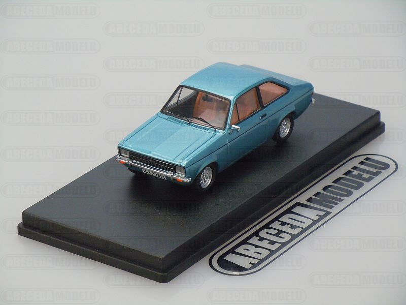 Whitebox 1:43 Ford Escort MKII 1992 (blue) code Whitebox WBX0001, modely aut