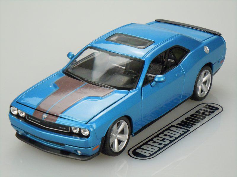 Maisto 1:24 Dodge Challenger SRT8 2008 (blue) code Maisto 31280, modely aut