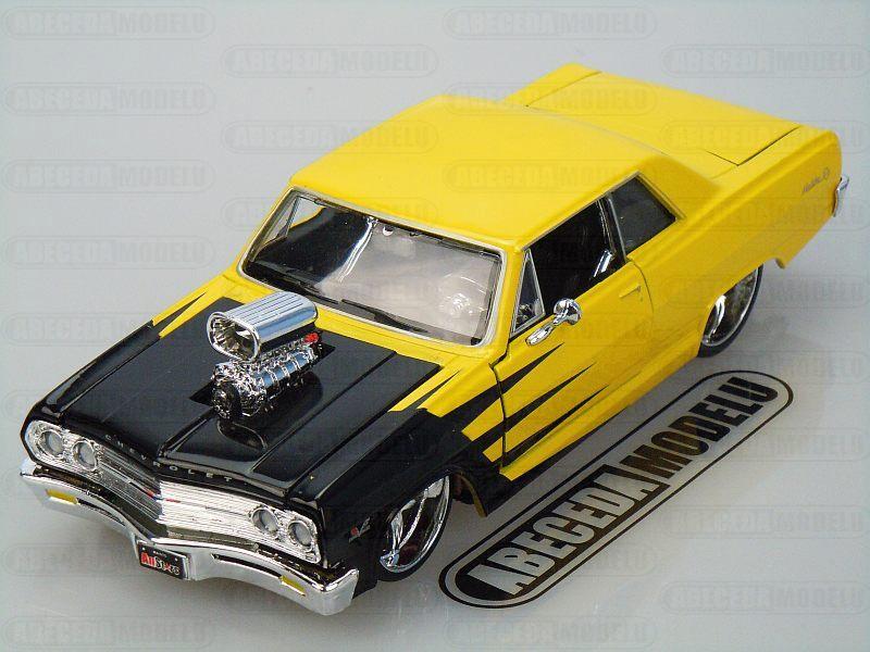Maisto 1:24 Chevrolet Malibu SS 1965 Custom (yellow) code Maisto 31138, modely aut
