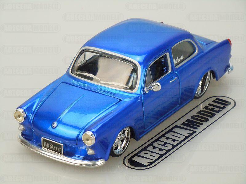 Maisto 1:24 Volkswagen 1600 Notchback Custom (blue) code Maisto 31042, modely aut