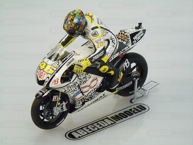 Minichamps 1:12 Yamaha YZR-M1 Laguna Seca MotoGP 2010 V. Rossi 46 code Minichamps 122103346, model motocyklu