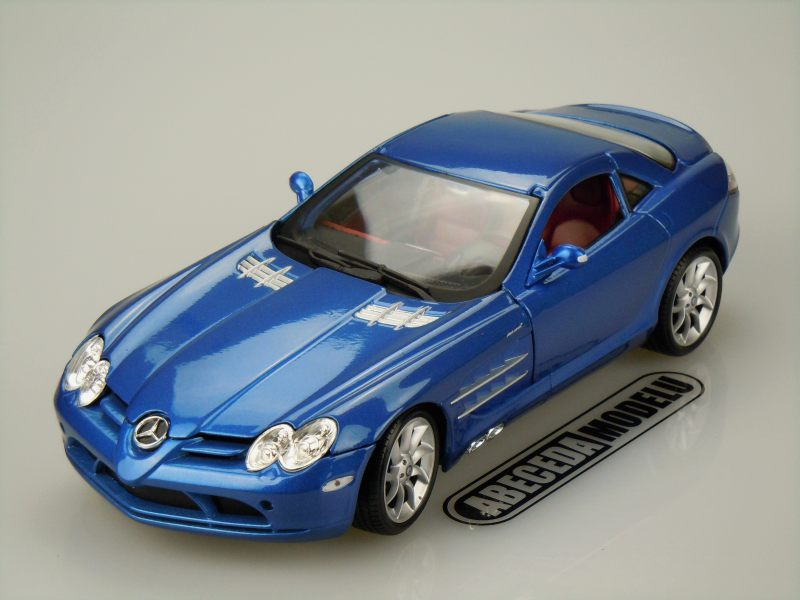 Maisto 1:18 Mercedes Benz McLaren SLR (blue) code Maisto 36653, modely aut