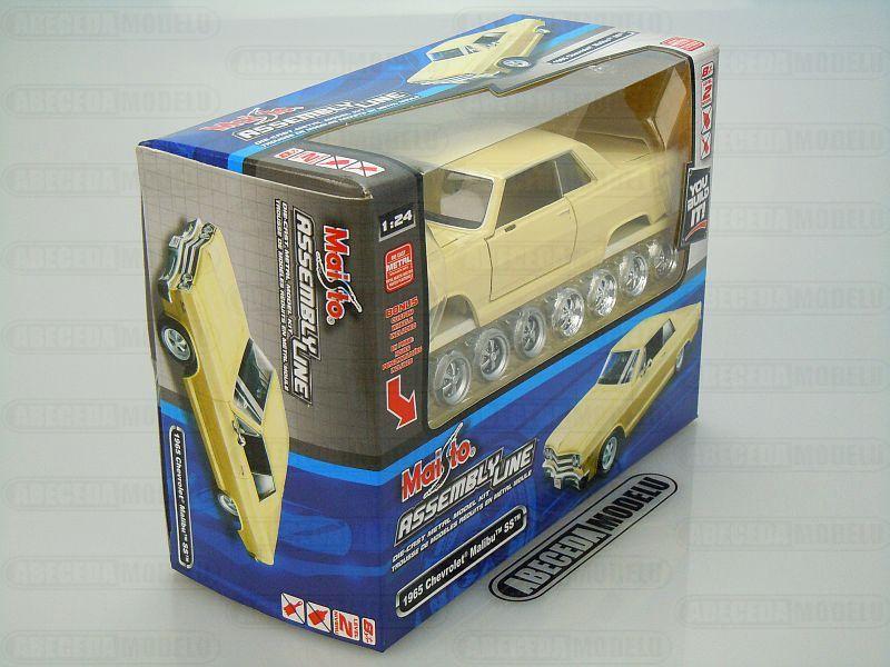 Maisto 1:24 Chevrolet Malibu SS Kit (cream) code Maisto 39258, modely aut