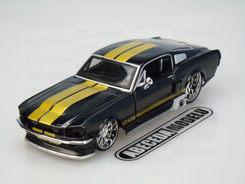 Maisto 1:24 Ford Mustang GT 1967 Classic Muscle (black) code Maisto 31094, modely aut
