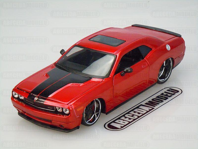 Maisto 1:24 Dodge Challenger SRT8 2008 Modern Muscle (red) code Maisto 31327, modely aut