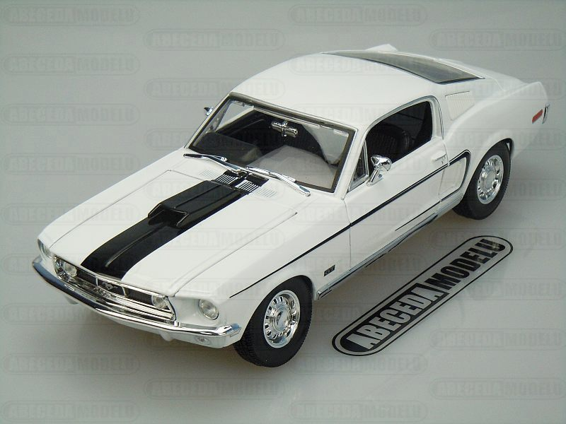 Maisto 1:18 Ford Mustang GT Cobra Jet 1968 (white) code Maisto 31167, modely aut